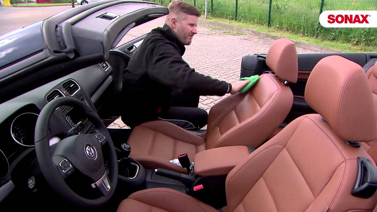 Чем эффективно почистить сиденья автомобиля своими руками фото 339