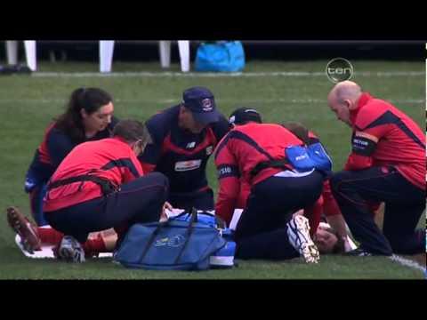 James Strauss Broken Leg - Melbourne vs Carlton, Round 20, 2011
