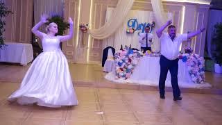 Тансующий отец, на свадьбе дочери