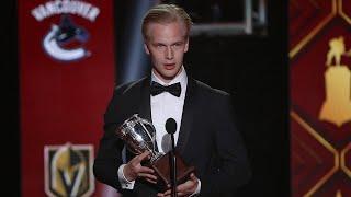Elias Pettersson wins Calder Trophy at NHL Awards