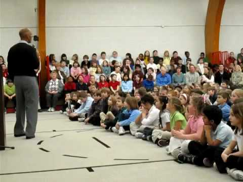 Tony  Dungy visits Valley Grove Elementary