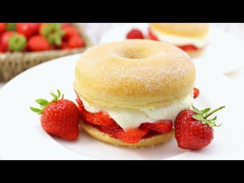 Erdbeer Doughnut Shortcakes / Strawberry Doughnut Shortcakes