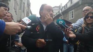 Concentración en O Porriño (Pontevedra) en repulsa por el tiroteo contra varias familias de git