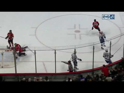 Hedman reads play, jumps up in rush to score in overtime