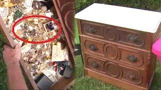 Bỏ 100 USD mua chiếc tủ cũ kỹ đến khi mở ngăn kéo ra thì ai cũng choáng khi thấy