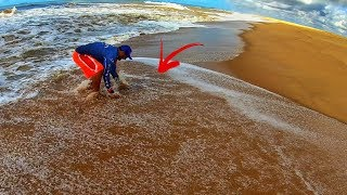 OLHA COMO CAPTURAR MARISCO EM PRAIA DE TOMBO | Pescaria de Praia