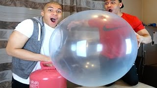 EXPERIMENT - WUBBLE BUBBLE VS HELIUM !!! | Kelvin und Marvin