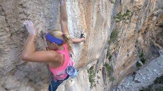 First Female Rock Climbing Ascent on Viaje de los Locos