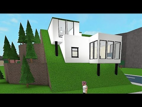 Building a 39 hillside house 39 roblox bloxburg 63k for How to build a house in a mountain
