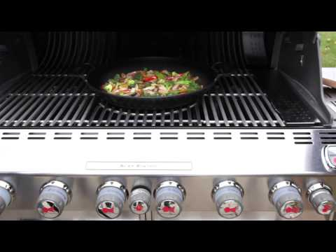 bbq-system-stainless-steel-cooking-grates-for-summit®-4-and-6-burner-gas-grills