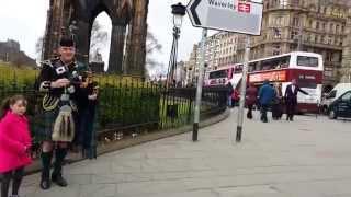 Gaitero escoces de Edimburgo / (Viaje Portugal & Escocia 16-20 Abril 2014)