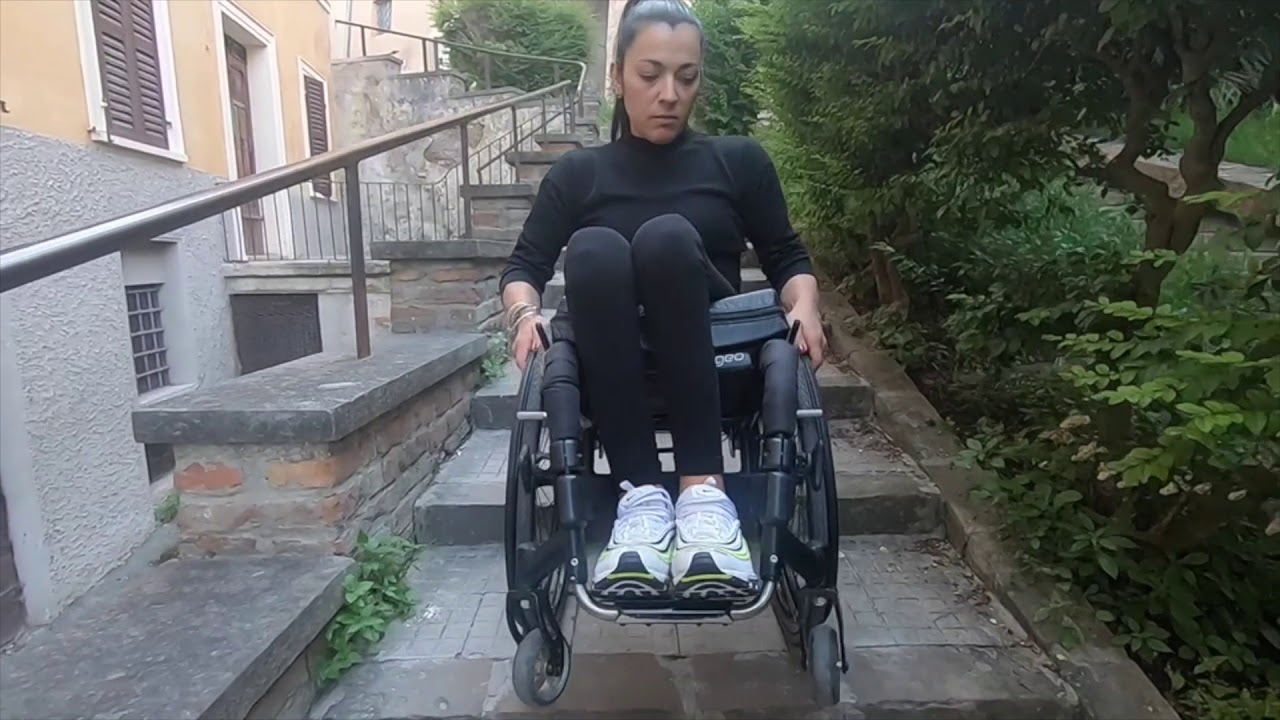Fare Le Scale Con La Sedia A Rotelle Take The Stairs With The Wheelchair Youtube