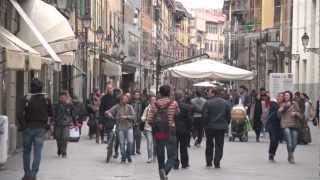 Pisa: walk to the Leaning Tower part 1 .mov