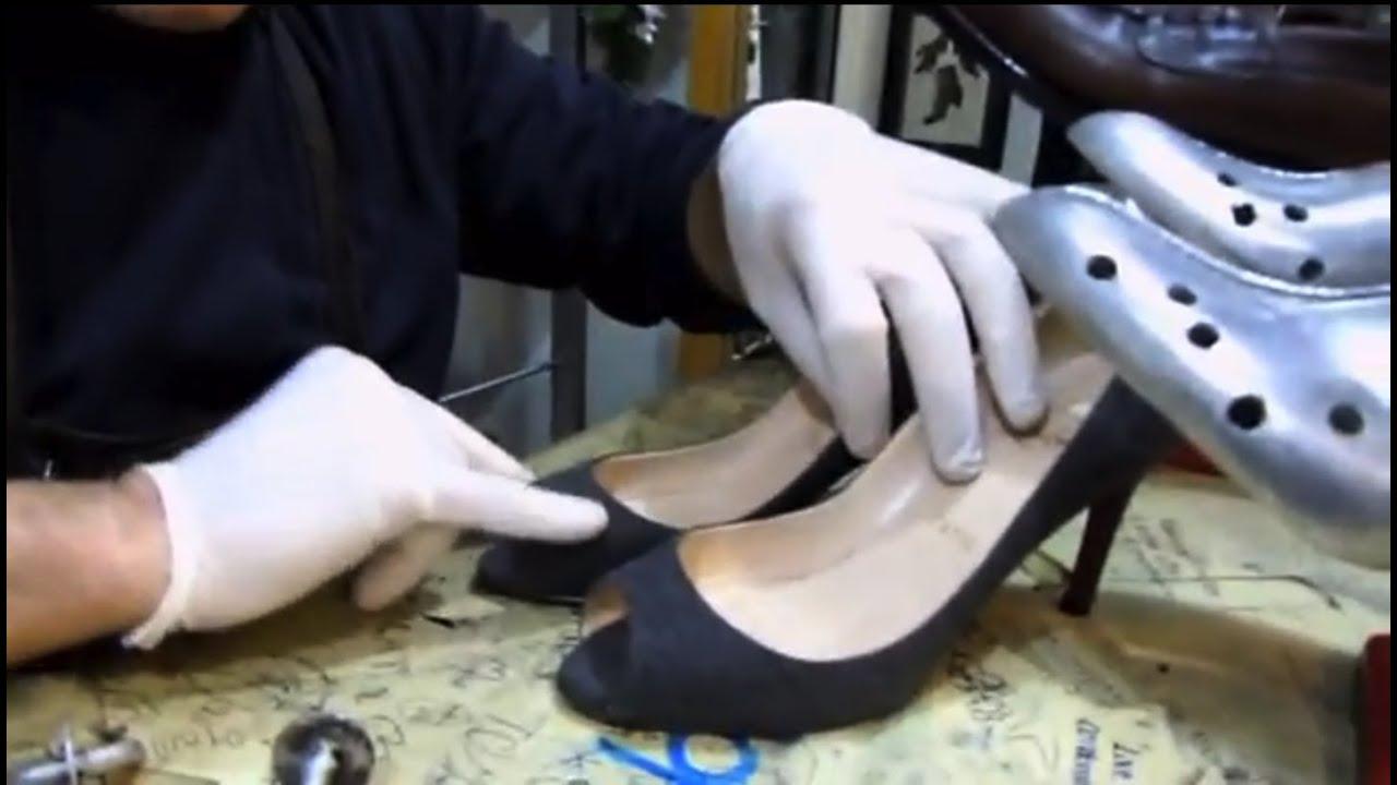 324306a638b Agrandir ou elargir des chaussures trop petites - YouTube