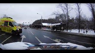 Смотреть видео Как ездят водители скорой помощи в Москве онлайн