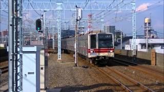 平日日中の東武スカイツリーライン谷塚駅
