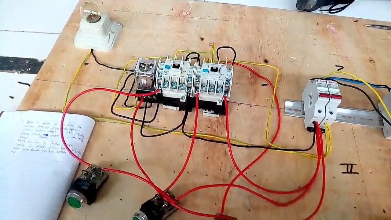 Rangkaian otomasi    industri     2 kontaktor  1 relay  3