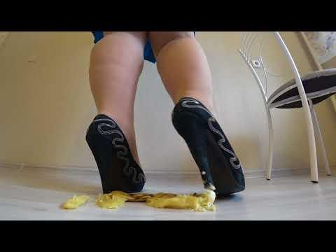 bbw in nylon pantyhose and high heels crush  a banana heels. ( Trampling, crush )