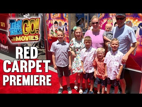 Red Carpet Teen Titans Go Movie World Premiere || Mommy Mond
