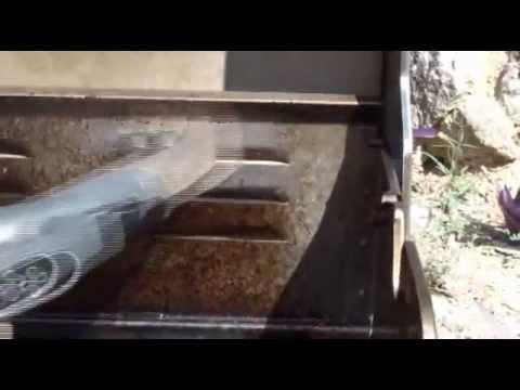 nettoyer un barbecue avec le nettoyeur aspirateur vapeur spooty sw4 youtube. Black Bedroom Furniture Sets. Home Design Ideas