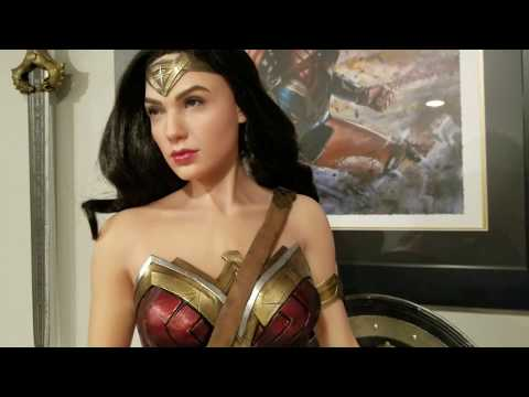 Prime 1 Wonder Woman Gal Gadot 1/2 scale Statue Unboxing and Review