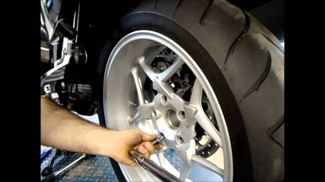 max bmw garage r1200rt rear wheel removal - youtube