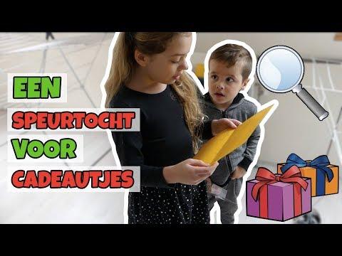 KERSTCADEAU SPEURTOCHT !! - Broer en Zus TV VLOG #100