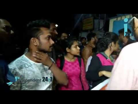 Students surround calcutta University protesting against their gross failure