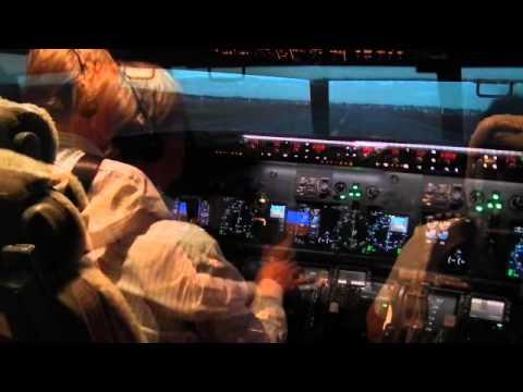AsiaX Vol256 - 熱帯綺羅 -パイロットの世界をリアルに体験 Flight Experience Singapore(制作協力:CROSSCO Co.,Ltd.)