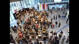 2010年1月に東京丸の内の丸ビルで行われた、「甲冑展」の模様。 い...