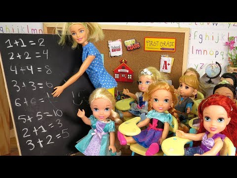 MATH Test ! Elsa and Anna toddlers at School – Who's cheating ? Pet hamster