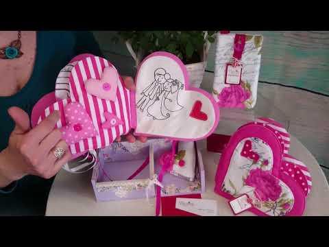 Подарък за моминско парти, книжка сърце от плат ръчна изработка