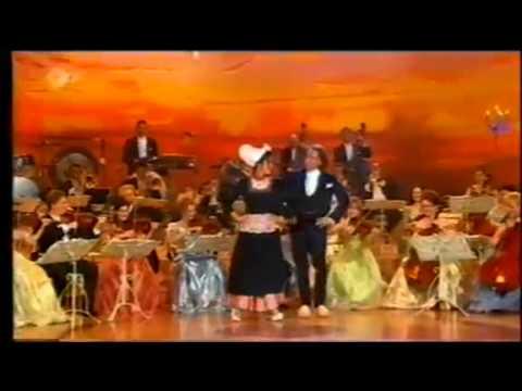 andré-rieu-and-barbara-wussow-clog-dancing