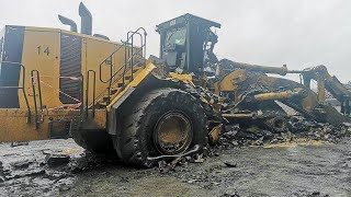 Amazing Idiots Dangerous Extreme Heavy Equipment Climbing Excavator Fail Working Skills Operator