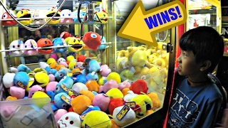 Arcade Claw Machine Pac-Man Prize Wins! クレーンゲーム