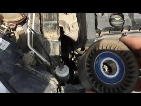 Замена ремня генератора и натяжного ролика на автомобиле Ситроен С 4