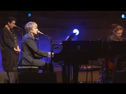 Neil Finn - Edible Flowers (live with strings, Auckland 2015)
