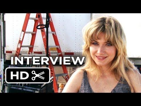 Need For Speed Interview - Imogen Poots (2014) - Aaron Paul Racing Movie HD