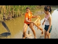 Amazing Children Cambodia Traditional Fishing How to Catch Fish Water Snake Simple Net Fishing