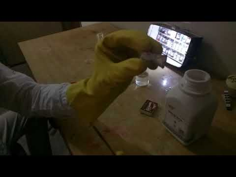 Sodium Reacts With Water To Form Hydrogen Gas
