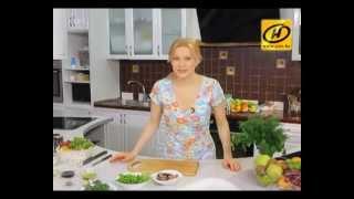 Полезный завтрак: салат из овощей с тунцом