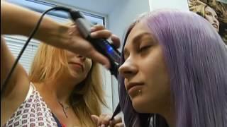 Красноярцы раскрашивают волосы в яркие цвета