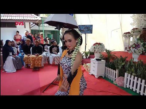 Tari Gambyong,, Wedding Reza Septiana, Am. Keb & Wahyudi, Tata Rias By Yuni Sigit