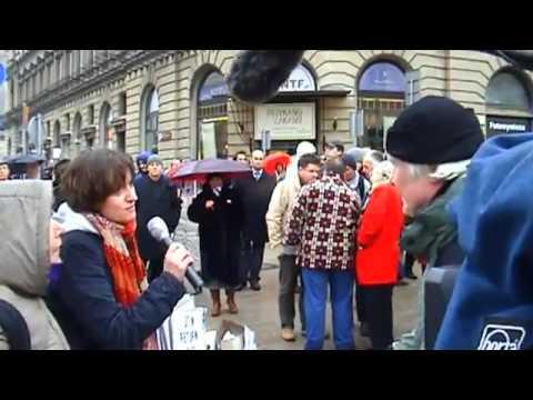 Zamiatanie #2 - Zamiatanie ludzi z Krakowskiego Przedmieścia