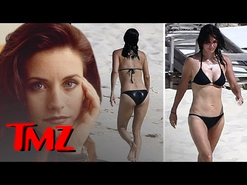 Courteney Cox In A Bikini  -- 50 And Dead Sexy!!! | TMZ en streaming