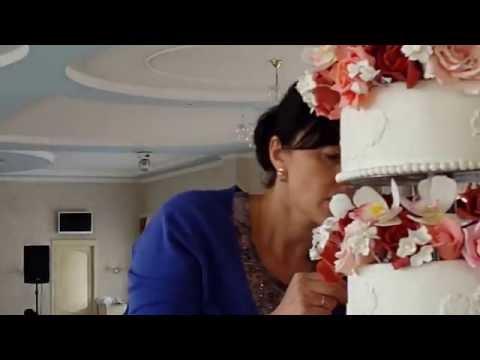 Свадебный торт от кондитерского дома Изольда