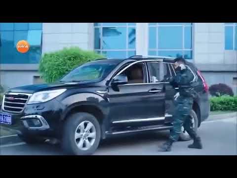 Phim Hanh dong xa hoi den-doi chong khung bo