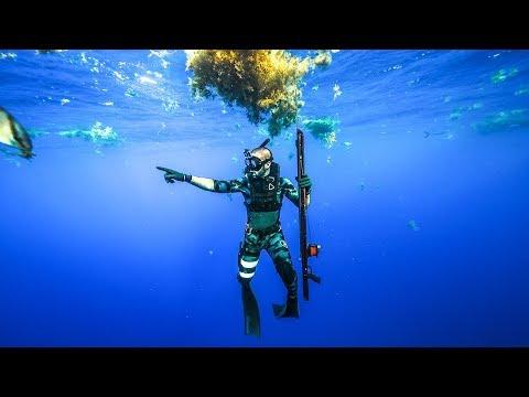 Exploring Major Shipwreck DEEP In the Ocean!! (Crazy life)