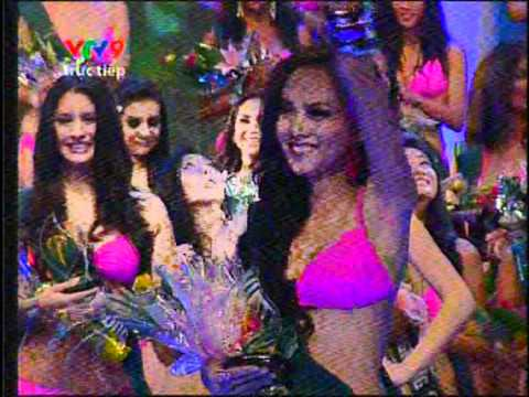 Miss Vietnam - Winner @ Swimsuit Competition - Miss Earth 2010
