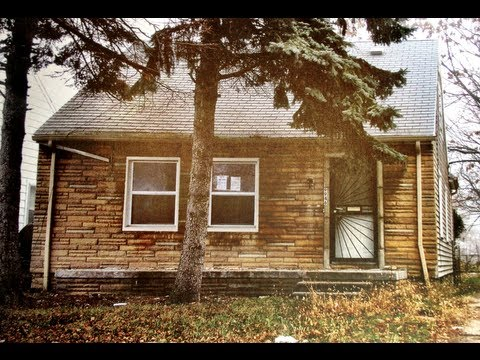 Exploring Eminem's Old House - Before Demolition 2013